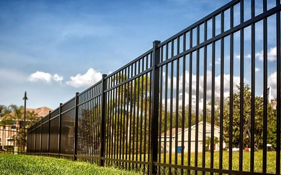 Pose clôture Villefontaine